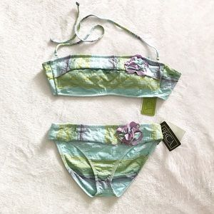 Becca swimsuit Bikini Large top with small bottom